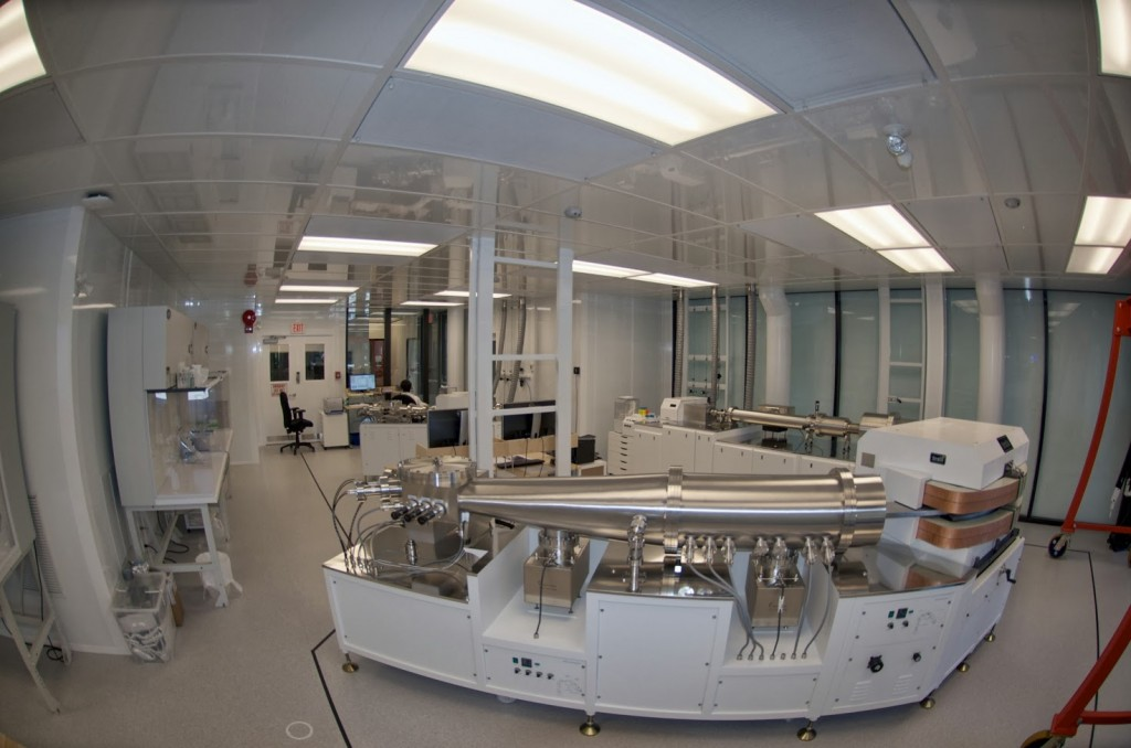 See below some photos and floor plans of the PCIGR chemistry and instrument laboratories at EOAS.